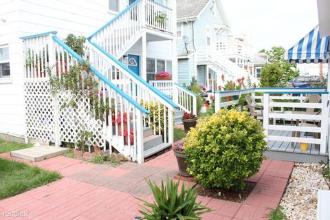 107 7th St, Ocean City, MD 21842