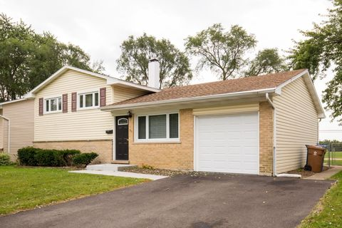 37 E Nevada Ave, Glendale Heights, IL 60139