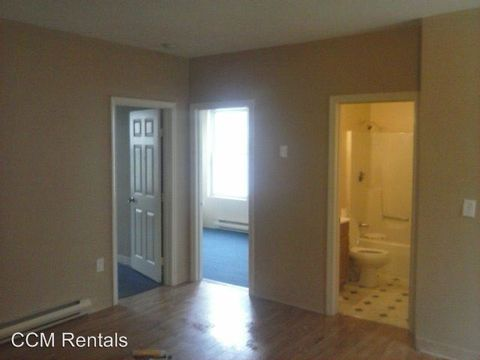 87 East St, Whitinsville, MA 01588