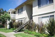 300 Palmetto Ave, Pacifica, CA 94044