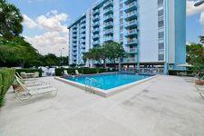 1600 NE 135th St, Miami, FL 33181