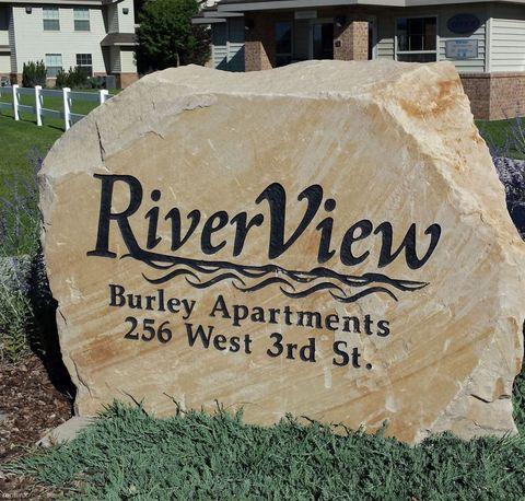 256 W 3rd St, Burley, ID 83318