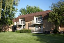1911 Golfview Dr, Troy, MI 48084