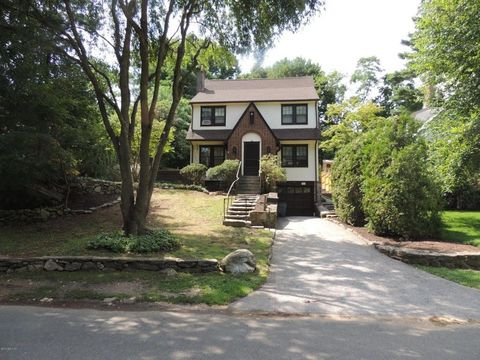 28 Valleywood Rd, Greenwich, CT 06807
