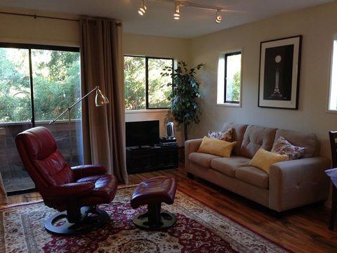 111 Rising Rd, Mill Valley, CA 94941
