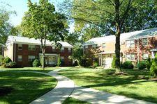 96 Lakeview Ave, Leonia, NJ 07605