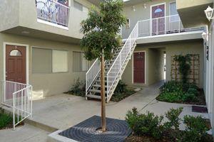 243 Mathilda Dr Apt 5, Santa Barbara, CA 93117
