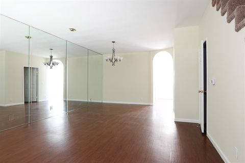 5730 Vineland Ave Unit 115, North Hollywood, CA 91601