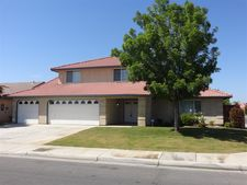 550 Mark Ave, Shafter, CA 93263