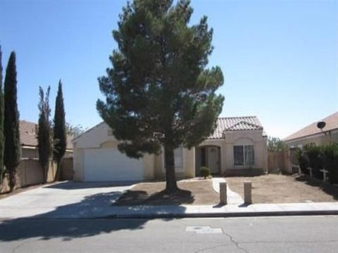 3030 Old Country Ave, Rosamond, CA 93560