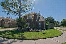 1020 Linkwood Dr, Pearland, TX 77581