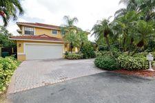 15571 SW 42nd Ln, Miami, FL 33185