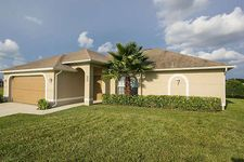 921 Nw 3rd Pl, Cape Coral, FL 33993