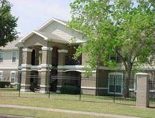 111 Loganberry St, Lake Jackson, TX 77566