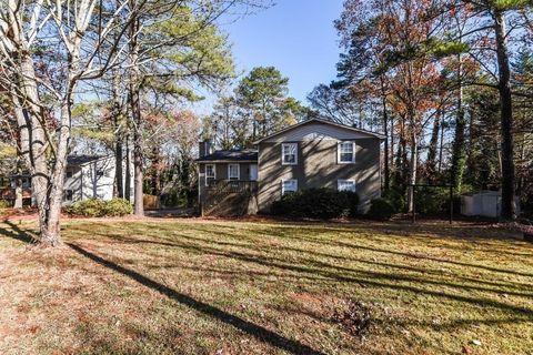 4940 Wycliffe Dr, Stone Mountain, GA 30087