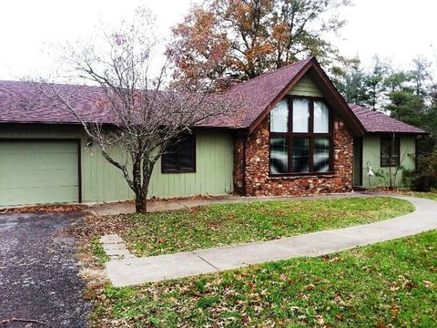 273 Forest Trce, Radcliff, KY 40160