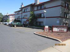 911 S Dahlia St, Denver, CO 80246