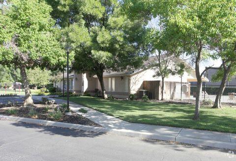990 Fox St, Lemoore, CA 93245