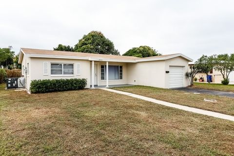 3921 Nw 46th Ave, Lauderdale Lakes, FL 33319