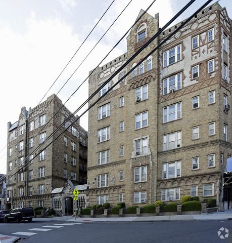 Home for rent 139 w 26th st unit 1 bayonne nj 07002 for 388 richmond terrace