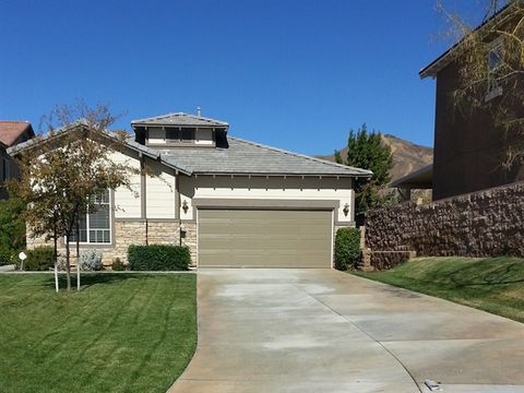 33908 Lake Breeze Dr, Yucaipa, CA 92399