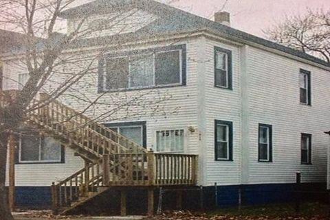1916 Delaware St, Gary, IN 46407