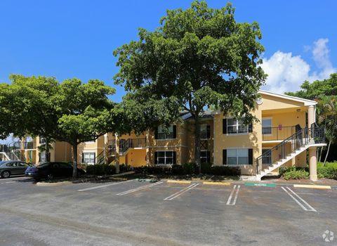 499 Boynton Bay Cir, Boynton Beach, FL 33435
