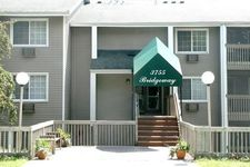 3755 Hubbard Ave N, Robbinsdale, MN 55422