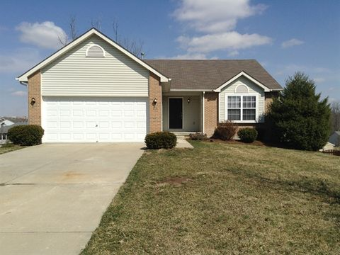 40 Meadowlands Dr, Monroe, OH 45050