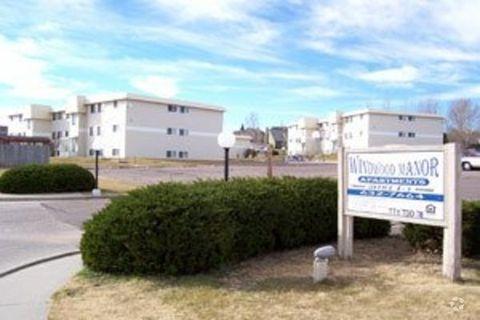 2500 Windwood Dr, Cheyenne, WY 82001