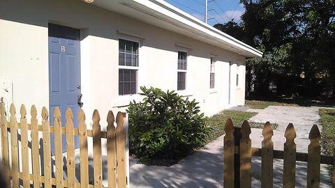 182 W 34th St # 3, Riveria Bch, FL 33404