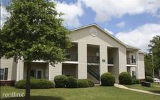 200 Colony Park Dr, Pearl, MS 39208
