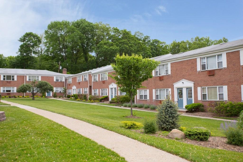 Lakeview gardens parsippany see pics avail for Lakeview gardens parsippany nj
