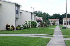 1336 Valley Grove Dr, Seffner, FL 33584
