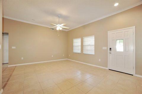 930 Hillgrove Ln, Auburndale, FL 33823