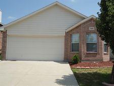 1108 Maplewood Ln, Crowley, TX 76036