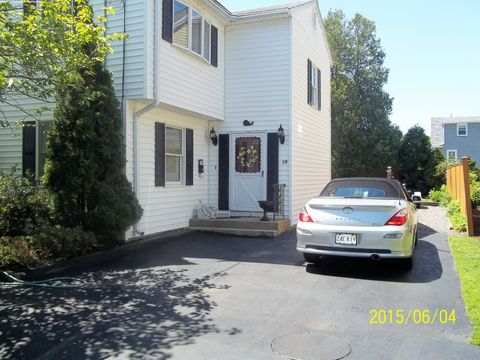 19 Central St Unit 1, Marblehead, MA 01945