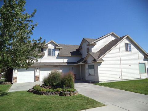 1074 S New Summer Ave, Kuna, ID 83634