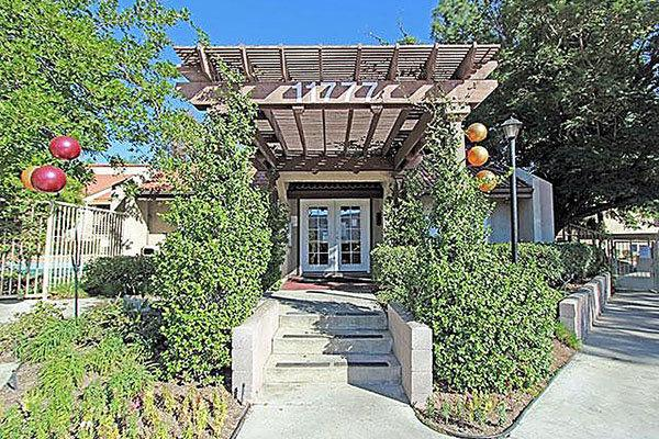 Mountainback apartments lake view terrace apartment for for 11777 foothill blvd lakeview terrace ca