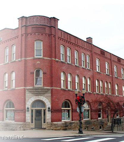 102 E Main St, Saint Clairsville, OH 43950