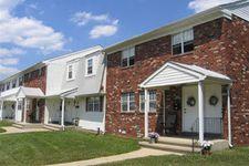 122 Estates Blvd, Hamilton, NJ 08610