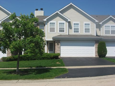1575 Tuppeny Ct, Roselle, IL 60172