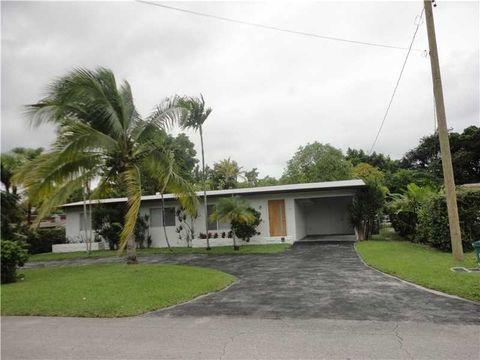 14810 N Spur Dr, Miami, FL 33161