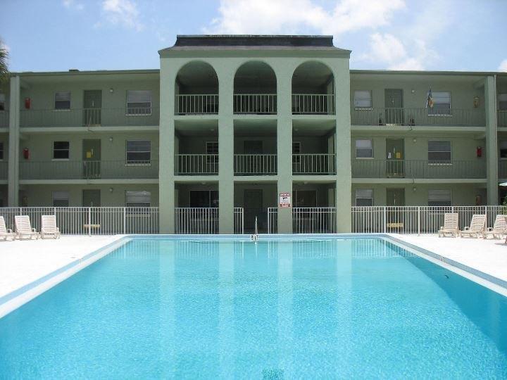 Golf Terrace Apartments