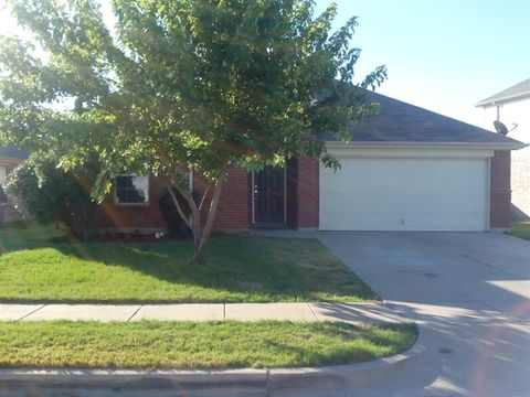 528 Paddle Dr, Crowley, TX 76036