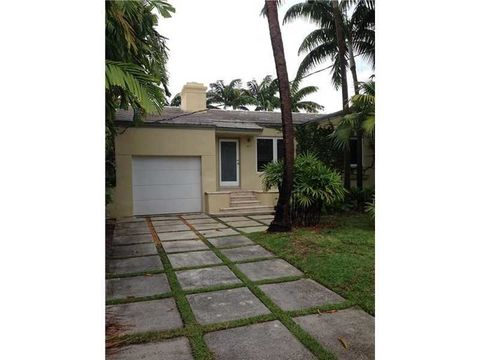 9417 Carlyle Ave, Surfside, FL 33154