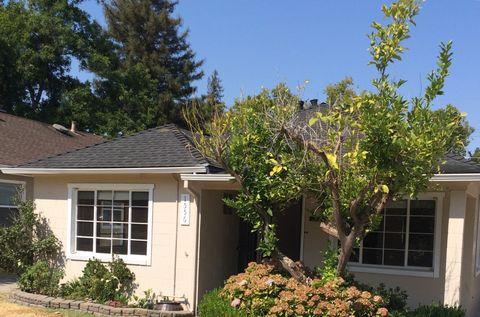 1556 48th St, Sacramento, CA 95819