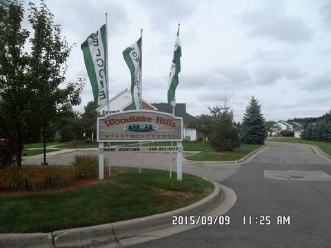 1301 Woodlake Ln, Pontiac, MI 48340