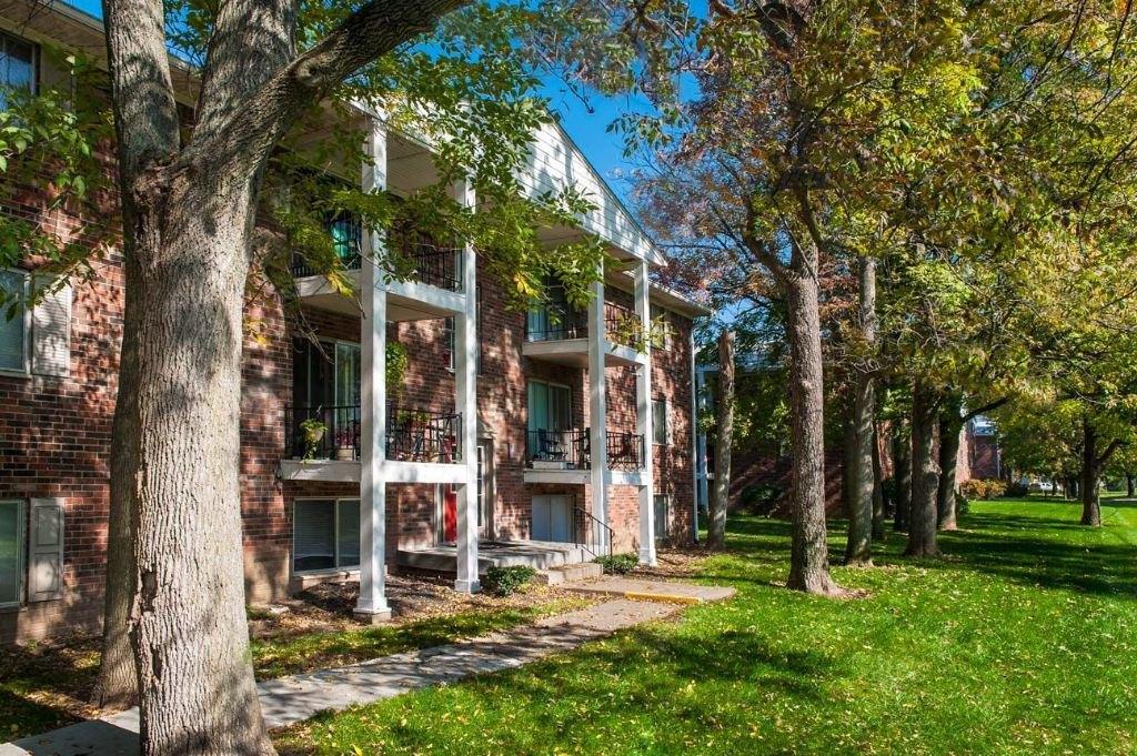 Decatur Woods Apartments