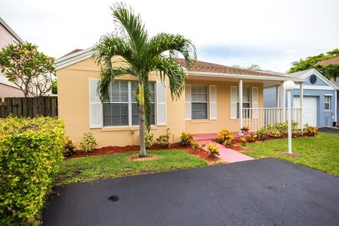 22250 Sw 101st Avenue Rd, Cutler Bay, FL 33190